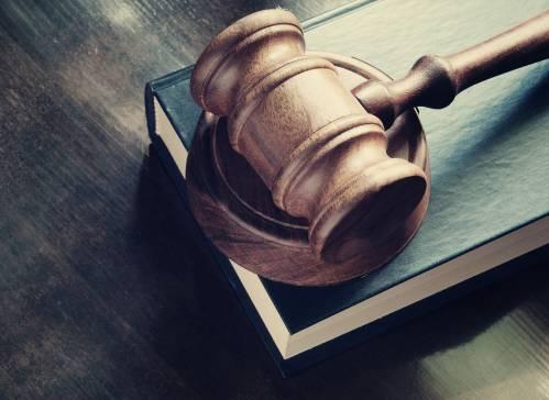 Information et poursuites pénales des agents publics